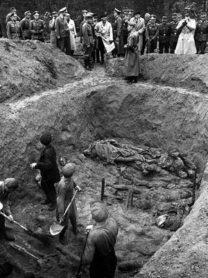 Descubrimiento de cadáveres en Katyn.
