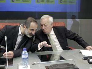 José Manuel García Margallo y Moaz Al Jatib.