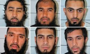 De arriba abajo y de izquierda a derecha : Omar Khan, Jewel Uddin, Mohammed Hasseen, Anzal Hussain, Mohammed Saud y Zohaib Ahmed