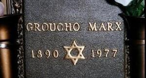 El epitafio de Groucho Marx es sencillo, a diferencia de la creencia popular que lo dibuja mucho más cómico