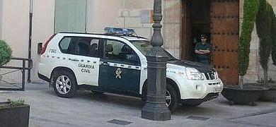 La Guardia Civil, esta mañana en el Ayuntamiento de Carvaca.