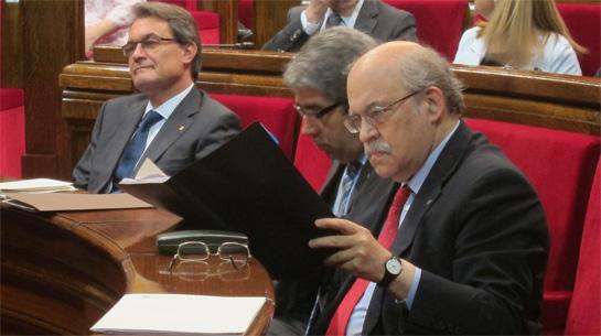 En la imagen, Artur Mas, Francesc Homs y Andreu Mas-Colell en el Parlamento de Cataluña.