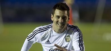 Messi entrena con la selección argentina.