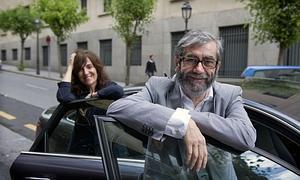 Muñoz Molina, junto a su esposa, la también escritora Elvira Lindo.