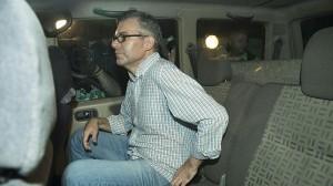 Domingo Enrique Castaño, en el vehículo de la Guardia Civil que lo conducía a prisión