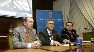 Francisco Iglesias (derecha) y Luis Pérez (izquierda) en la Diputación de Almería