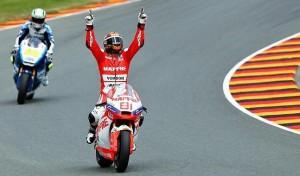 Jordi Torres(d) celebra la victoria.