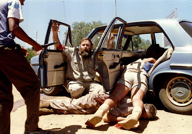 Un grupo de surafricanos blancos son vbrutalmente asesinados ante la indiferencia mundial.