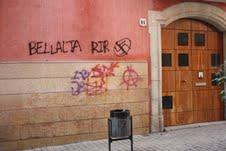 Imagen de la fachada del domicilio en Vilanova i la Geltrú del representante de SOLUCIONA en Cataluña, Gerard Bellalta.
