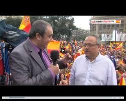 Gerard Bellalta entrevistado por Armando Robles el pasado 12 de octubre en la plaza de Cataluña.