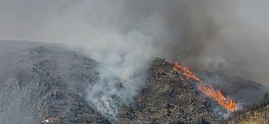 Vista del incendio en la sierra de Guadalajara.