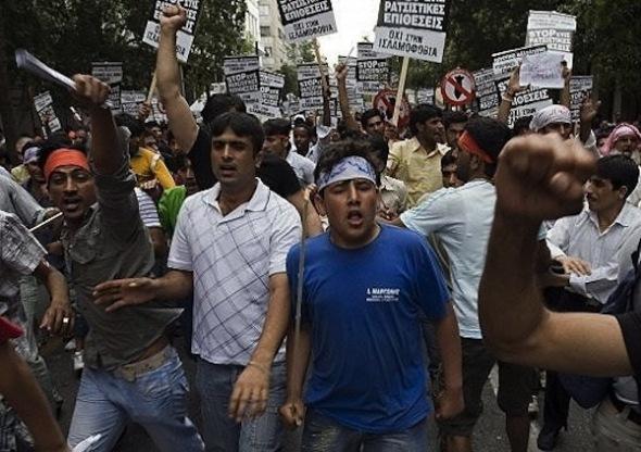 Inmigrantes se manifiestan en Grecia exigiendo derechos