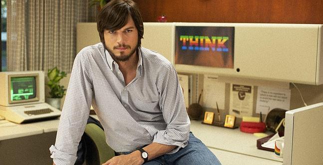 Ashton Kutcher interpreta a Steve Jobs.
