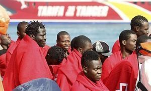 Uno de los últimos grupos de inmigrantes interceptados en Tarifa.