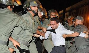 """Imagen de las protestas en Rabat por la liberación del pederasta """"español"""""""