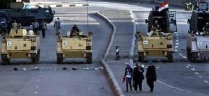 VÍDEO Tanques del Ejército frente al Museo de Egipto.