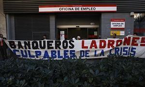 Protesta frente a una Oficina de Empleo.