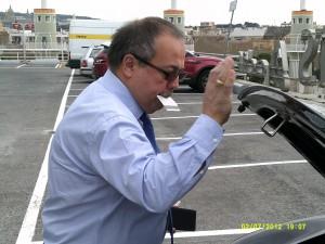 Gerard Bellalta, en el aparcamiento de la estación de Sants.