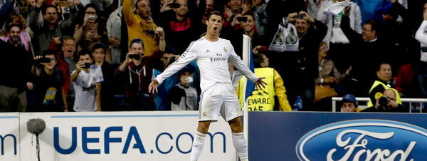 El delantero portugués del Real Madrid Cristiano Ronaldo celebra el gol marcado de penalti a la Juventus de Turín