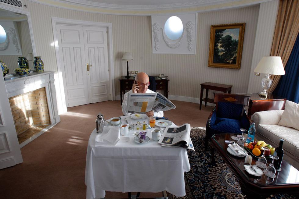 Duran Lleida, en la suite de lujo donde vive en Madrid
