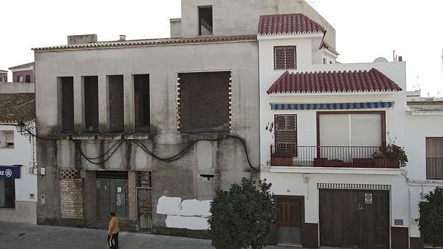 Sede de la Fundación Lebrija Solidaria que se está construyendo sobre el solar comprado por los cinco socialistas