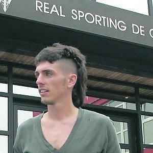 Poves abandona Mareo tras rescindir el contrato, en el verano de 2011.