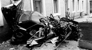 Estado en el que quedó el coche de Carrero Blanco tras el atentado contra el entonces presidente del Gobierno.