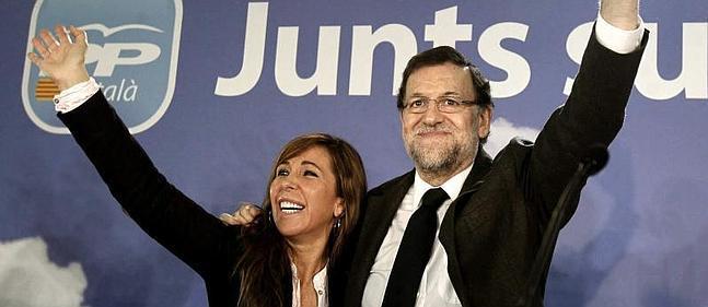 Mariano Rajoy y Alicia Sánchez-Camacho, durante la clausura hoy en Barcelona.