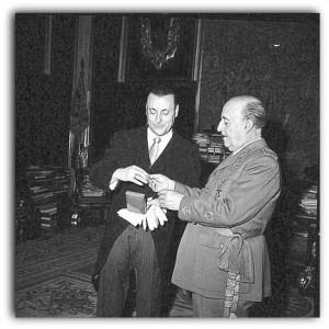 Blas Piñar y el anterior jefe del Estado, Francisco Franco