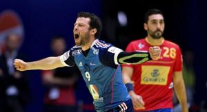 Guillaume Joli celebra un gol ante la desesperación española