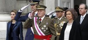 El Rey Juan Carlos, junto a la Reina Sofía y los Príncipes de Asturias, en la Pascua Militar.