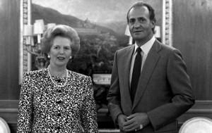 En la imagen de archivo, el rey Juan Carlos con la expremier británica, Margareth Thatcher.