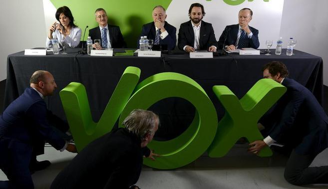 Eran otros tiempos: Presentación de Vox.