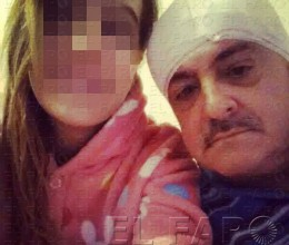 El guardia civil salvajemente agredido, junto a su hija