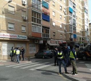 Efectivos de la Policía Nacional, esta mañana en la capital malagueña