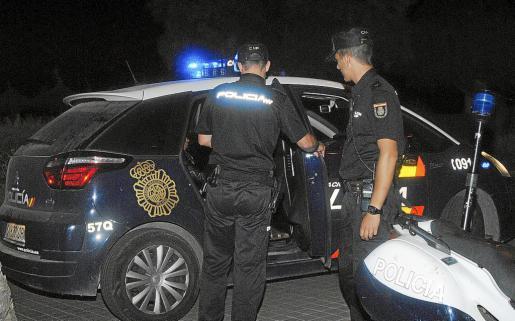 Agentes del Cuerpo Nacional de Policía acudieron a la vivienda y procedieron a la detención del senegalés