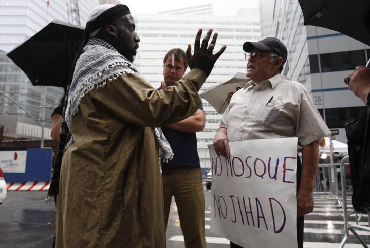 Marchas enfrentadas en las calles de Nueva York por la construcción de una mezquita en la zona 0