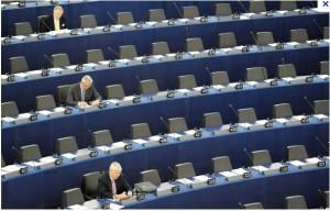 La farsa de la UE: Escaños vacíos en el Parlamento Europeo.