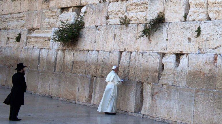 El Papa, en el muro de las lamentaciones