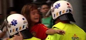 Separatistas catalanes agredieron a una niñ por llevar la camiseta de España el 12 de octubre del 2012.