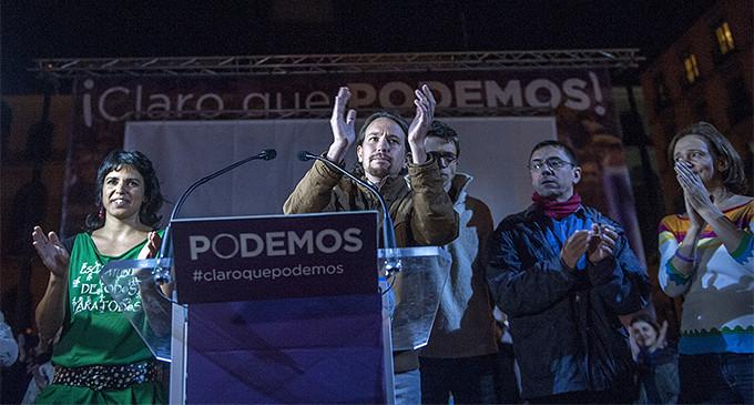Dirigentes de Podemos celebran los resultados electorales la noche del 25 de mayo
