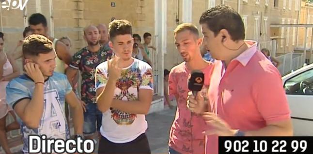 Los tres jóvenes, entrevistados en el programa Espejo Público de Antena 3.