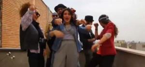 Fotograma del vídeo que grabaron los siete jóvenes iraníes