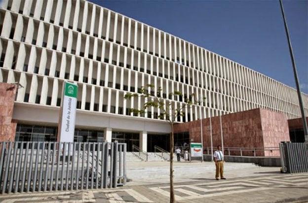 Fachada principal de la Ciudad de la Justicia de Málaga