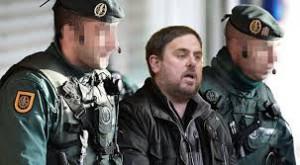 Fotomontaje de Oriol Junqueras detenido por agentes de la Guardia Civil