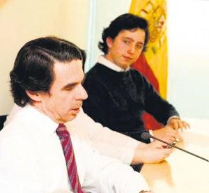 Nicolás se sienta al lado del expresidente pese a que en la Fundación aseguran que nunca tuvo un cargo ni fue socio.
