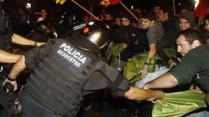 La Policía desmontó ayer un campamento protesta en Barcelona.