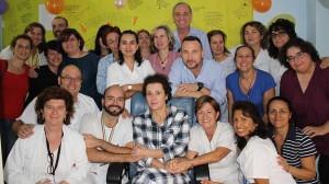 Teresa Romero, con los profesionales sanitarios.
