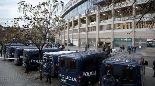 Dispositivo policial, en las inmediaciones del Vicente Calderón.