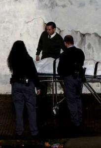 El cadáver del hincha fue trasladado al Instituto Forense.
